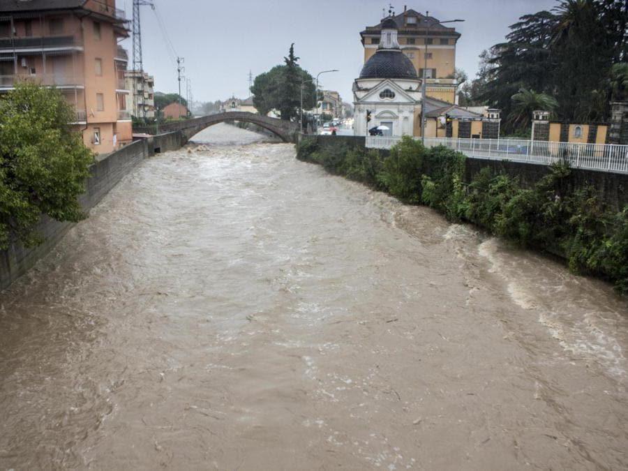 Il Petronio a rischio esondazione per le forti piogge, Sestri Levante (Genova) ANSA FRANCO BOLZONI