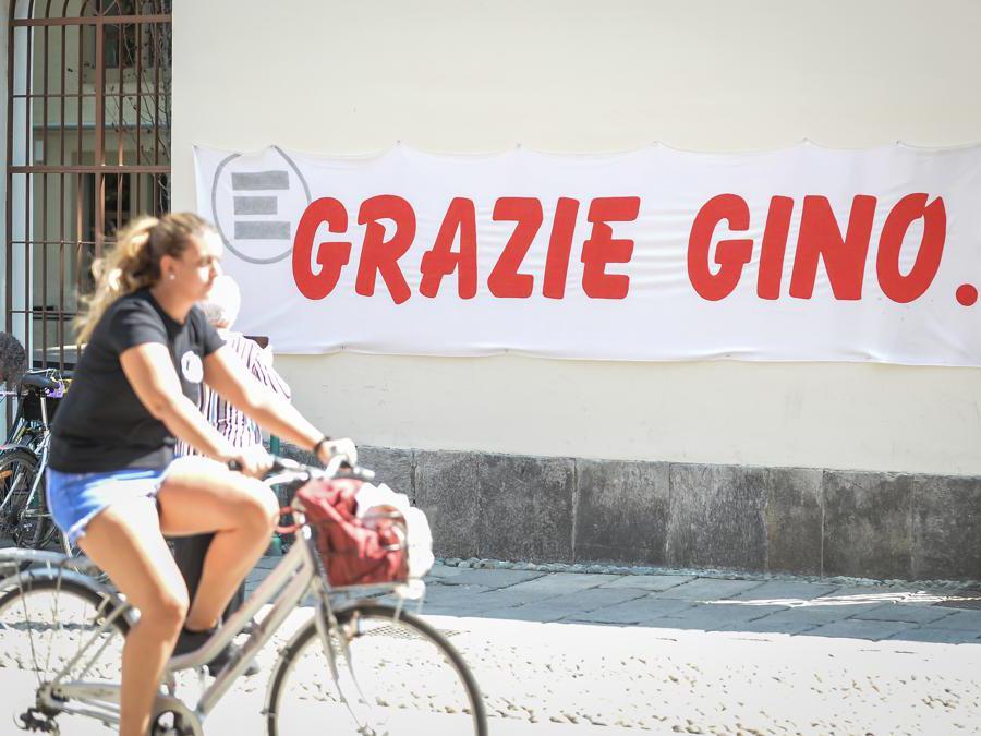 Milano , Camera ardente di Gino Strada presso la sede di Emergency in via santa croce Photo Claudio Furlan/LaPresse