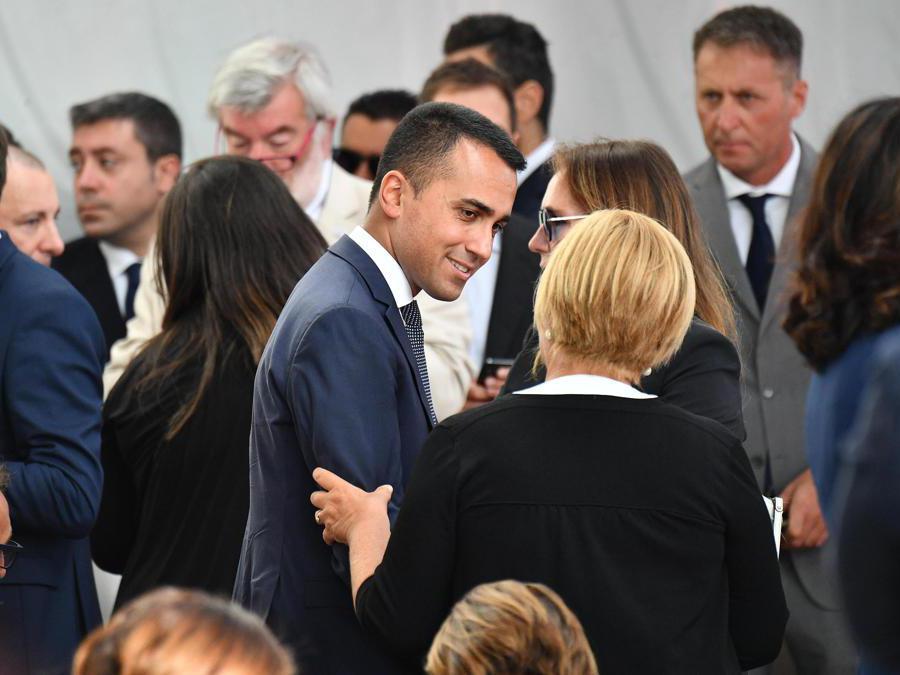 Il vice premier e ministro del lavoro Luigi Di Maio arriva per assistere alla cerimonia commemorativa per le vittime del crollo del ponte Morandi a Genova, (Luca Zennaro/Ansa)