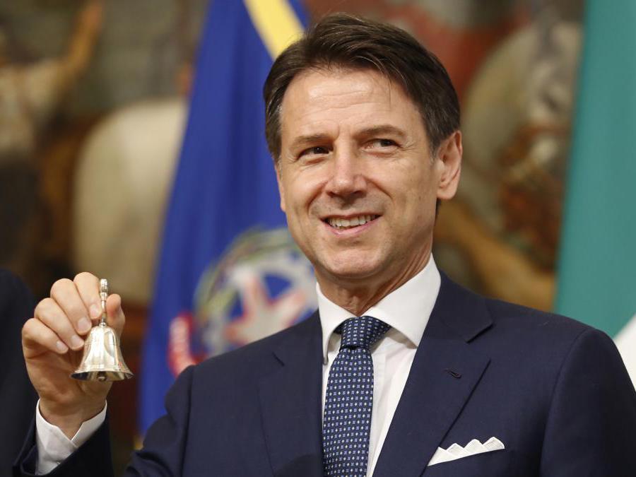 Il Primo Ministro  Giuseppe Conte. (AP Photo/Domenico Stinellis)