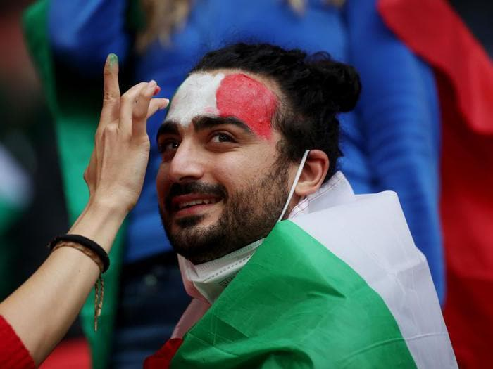 Italia-Spagna, lo show dei tifosi a Wembley