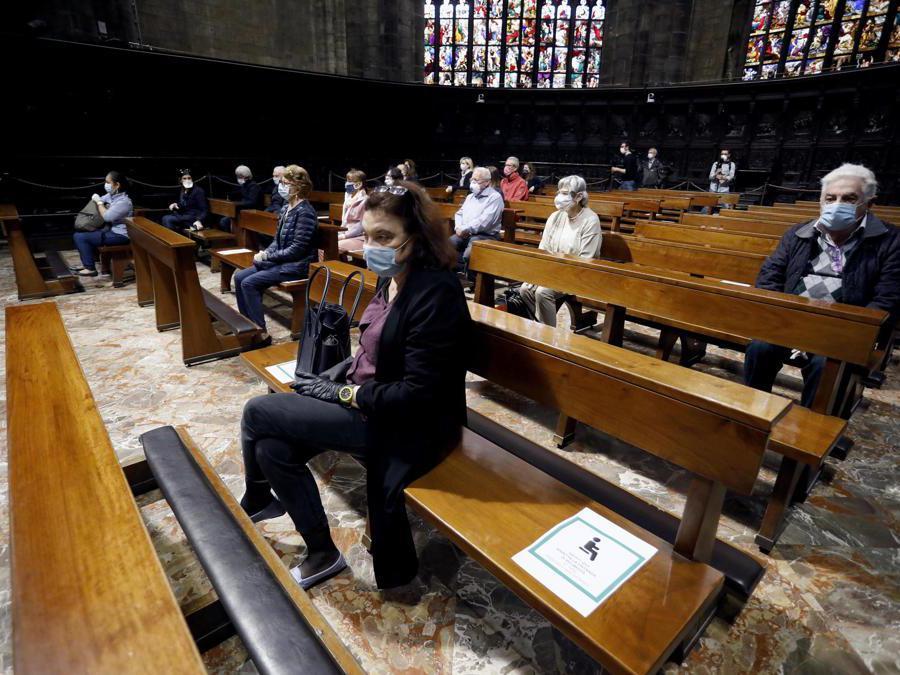 Celebrazione della prima messa in Duomo durante la fase 2 dell'emergenza Coronavirus a Milano, 18 maggio 2020.ANSA/Mourad Balti Touati