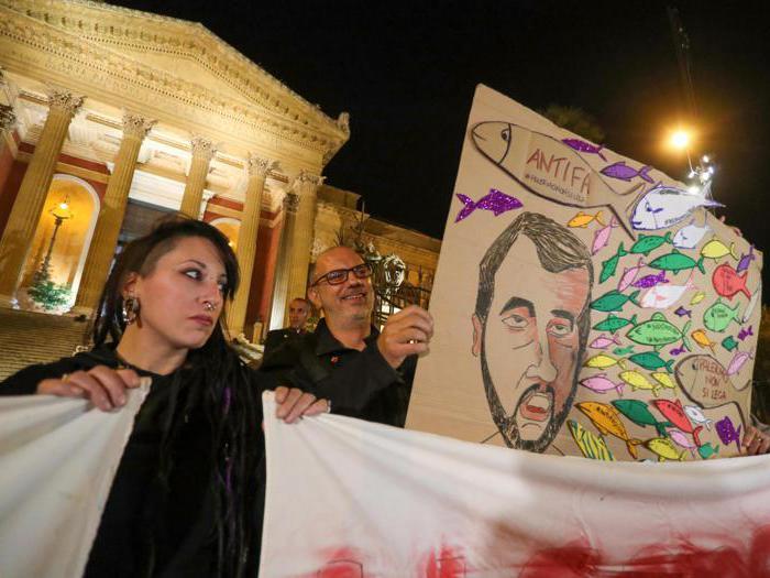 Le Sardine varcano i confini emiliani: in 4mila a Palermo