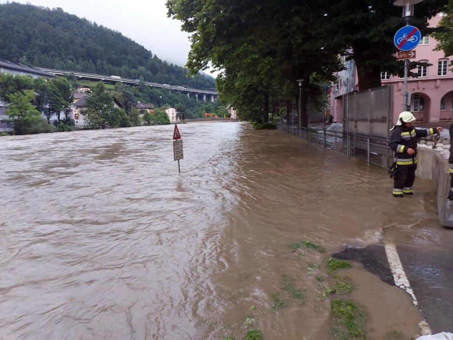 Alto Adige. ANSA/US VIGILI DEL FUOCO