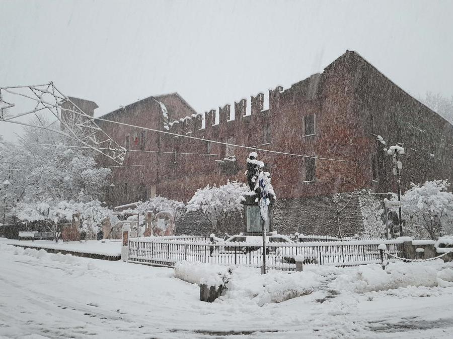 Milano - 28/12/2020 nella foto il Castello Visconteo (Foto IPP/Mauro Chierico)