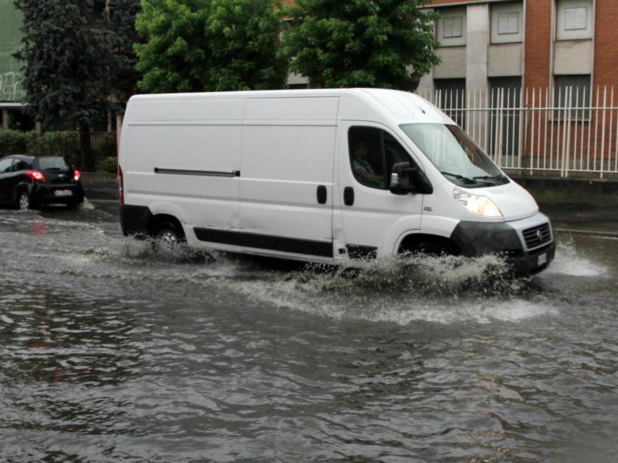 Esondazione del  fiume Seveso in zona Niguarda (Fotogramma)