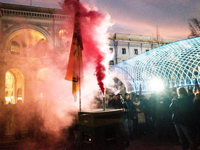 Manifestazioni a Milano nel giorno della prima alla Scala