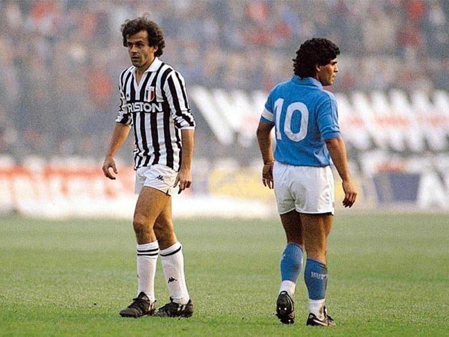 Juventus-Napoli - 1986. Nella foto: Diego Armando Maradona e Michel Platini (Jean Michel Bancet/Ipp)
