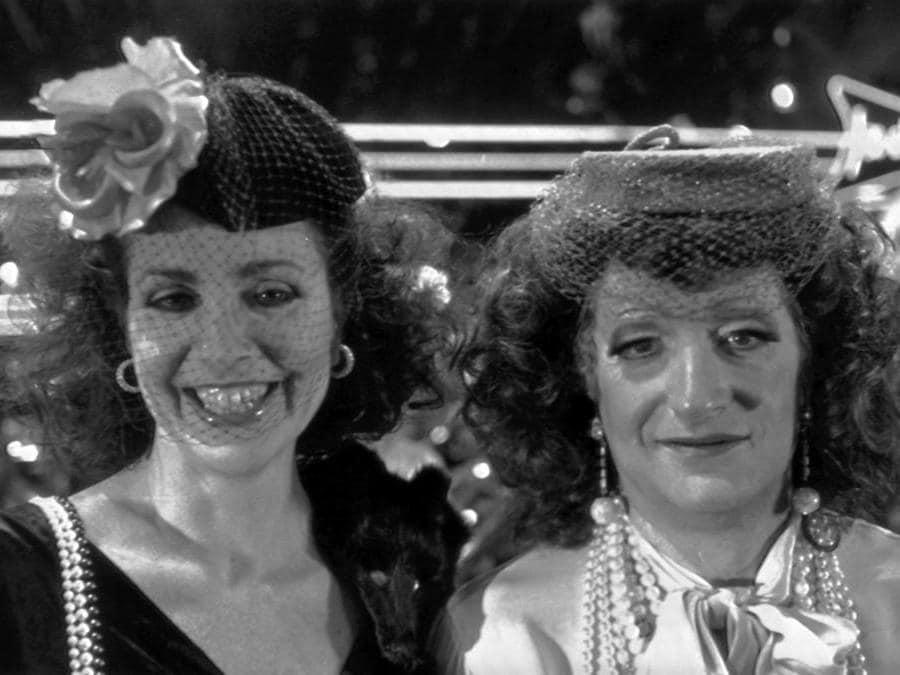 Marina Lante Della Rovere con Gianfranco D'Angelo, l'una contro l'altra, a «Drive In» nel 1985 (Ansa)