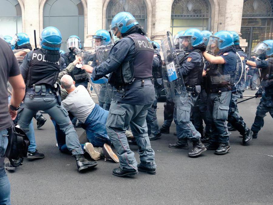 (Foto Mauro Scrobogna /LaPresse)