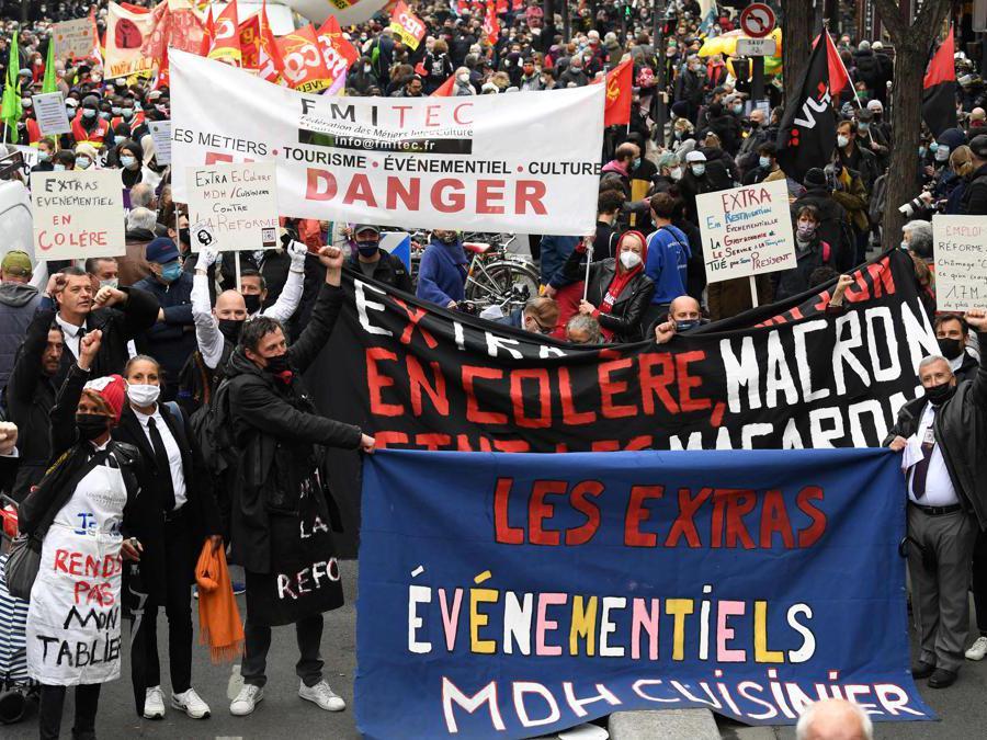 Primo maggio a Parigi. (Photo by Bertrand GUAY / AFP)