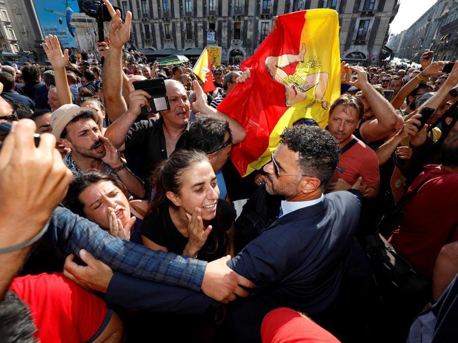 Proteste contro  Matteo Salvini (Reuters)