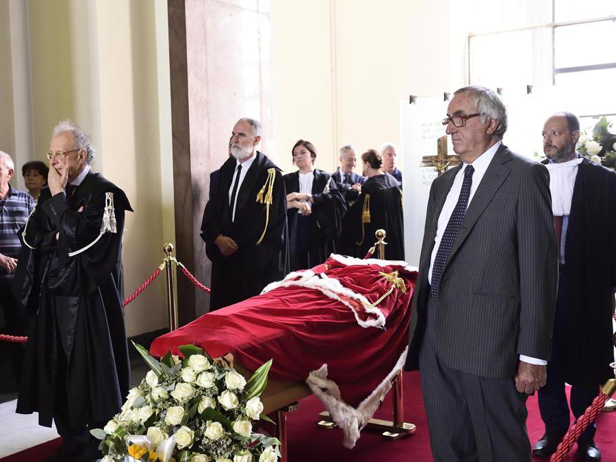 Gerardo Colombo (a sinistra) ed Edmondo Bruti Liberati (a destra)  (Ansa/Flavio Lo Scalzo)