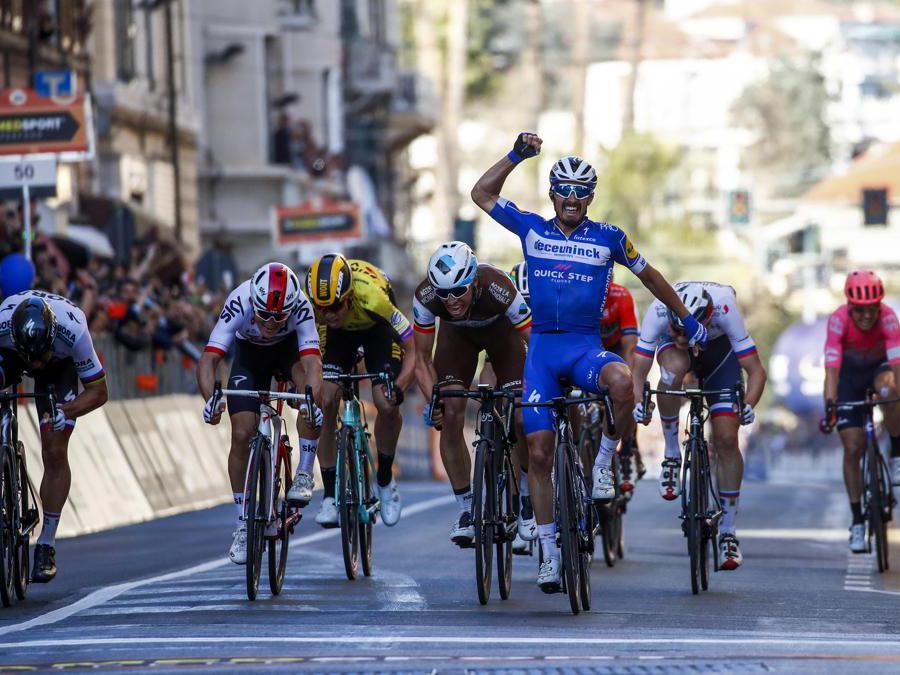 MARZO. CICLISMO. Il francese Julian Alaphilippe vince la Milano-Sanremo. Precede in volata il danese Oliver Naesen e il polacco Michał Kwiatkowski. (Afp)