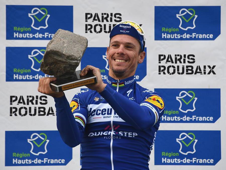APRILE. CICLISMO. Il belga Philippe Gilbert trionfa alla Parigi Roubaix, regolando allo sprint il compagno di fuga, il tedesco Politt. Con questo successo, il 37 belga mette in bacheca la quinta Classica Monumento della carriera. (Afp)