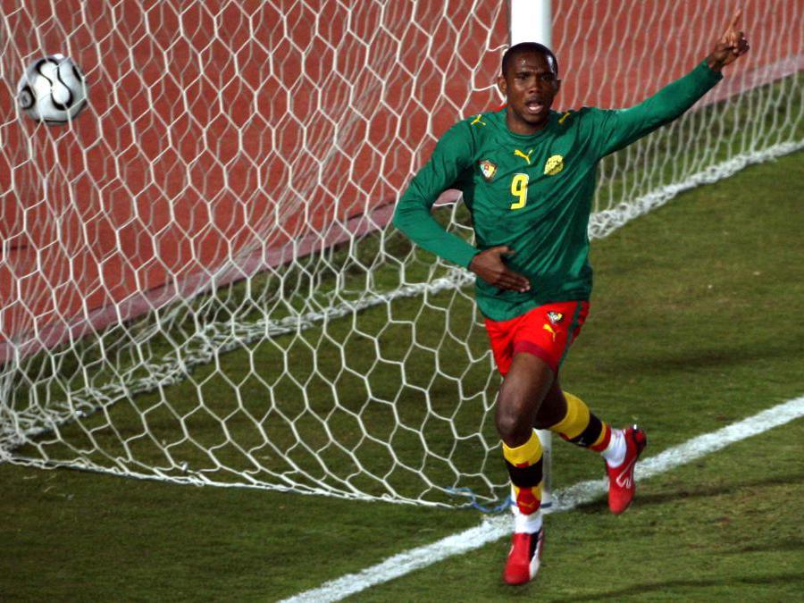 SETTEMBRE-CALCIO. A 38 anni, l'attaccante camerunense Samuel Eto'o lascia il calcio professionistico.Cresciuto calcisticamente in patria nell'Ucb Douala, in carriera ha indossato le maglie del Real Madrid, Espanyol, Barcellona, Inter , Anzi , Chelsea, Everton, Sampdoria, Antalyaspor, Konyaspor, Qatar Sc,  conquistando 19 trofei nazionali e internazionali. Con la nazionale del Camerun ha vinto 2 Coppe d'Africa e l'oro olimpico ai Giochi di Sydney 2000.(Reuters)