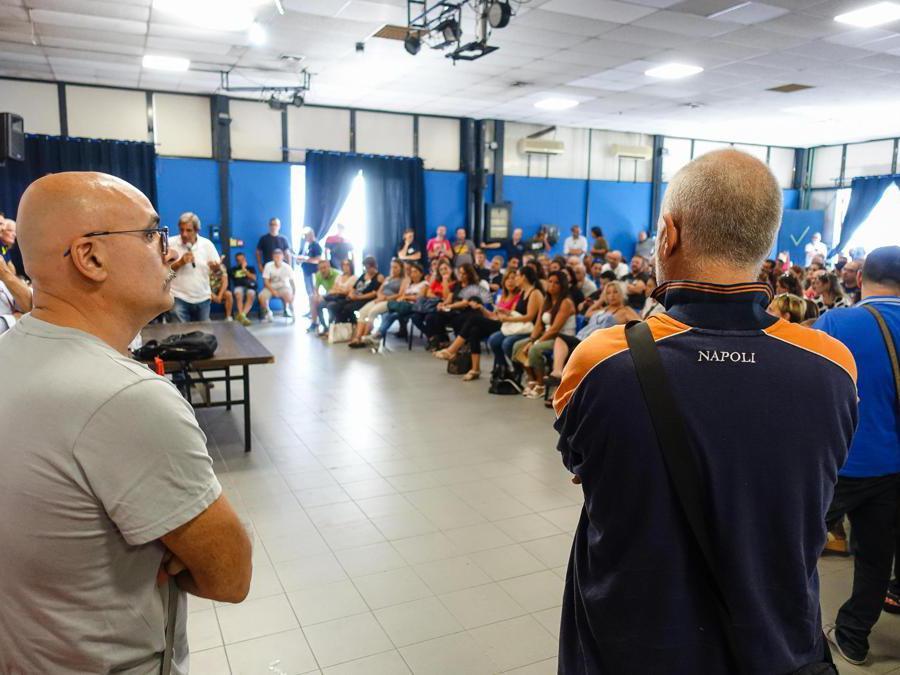 Assemblea lavoratori Whirlpool in fabbrica. Napoli 18 Settembre 2019.ANSA/CESARE ABBATE/