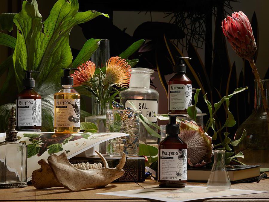 Bullfrog Botanical Lab, una linea base di canapa, che comprende tre prodotti (gel esfoliante antistress, siero idratante e maschera notturna) capaci di cancellare lo stress e dare in pochi gesti un aspetto rilassato e rigenerato.