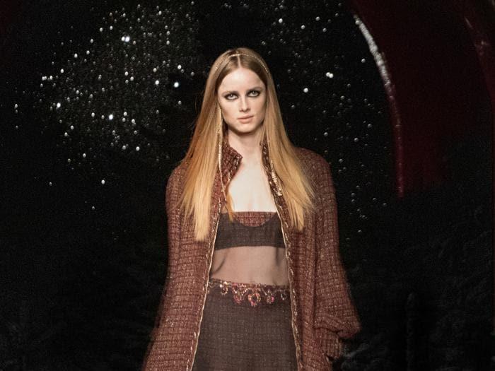 Chanel, la moda sfila al nightclub