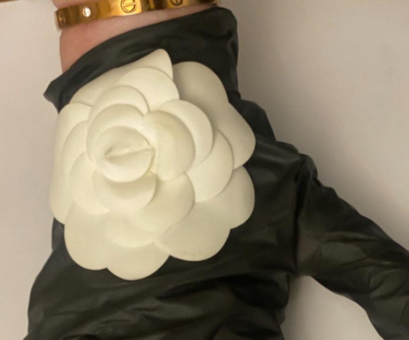 Guanti in lattice fashion con fantasia removibile dell'Atelier Tosetti