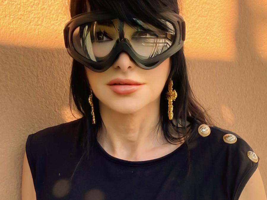Monica Gabetta Tosetti con occhiali protettivi