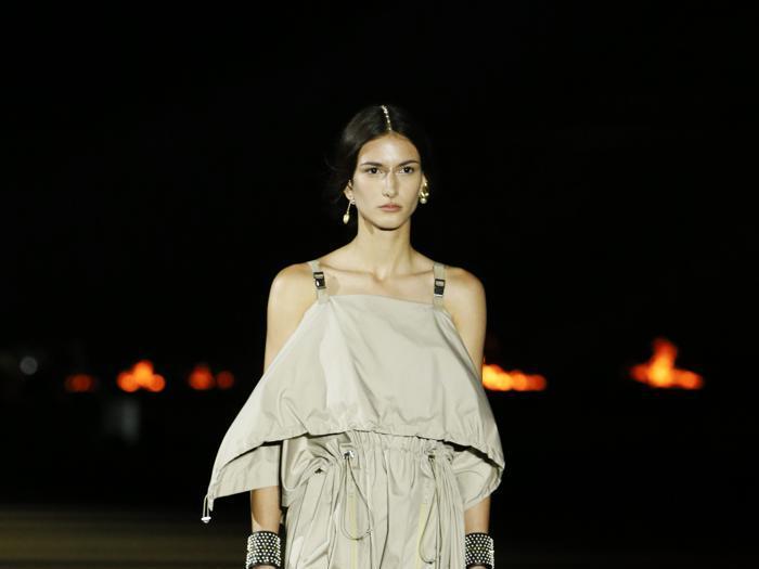 Dior, ad Atene dee atletiche e contemporanee