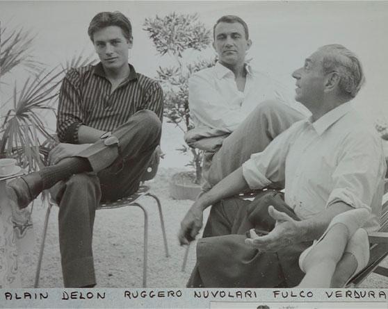 """Fulco di Verdura con Alain Delon e Ruggero Nuvolari sul set del """"Gattopardo"""", film del 1963 tratto dal libro scritto dal cugino Giuseppe Tomasi di Lampedusa"""