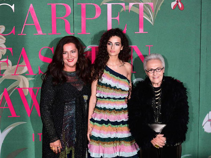 Da sinistra:  Angela Missoni e  Rosita Missoni. (Photo by Miguel MEDINA / AFP)