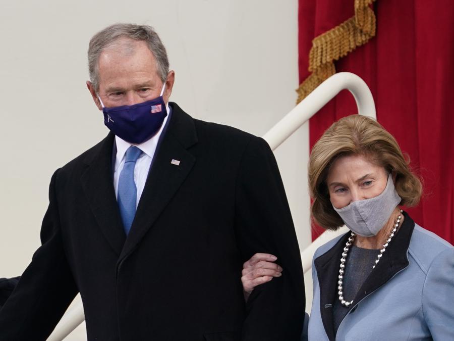 Laura Bush   (Reuters/Kevin Lamarque)