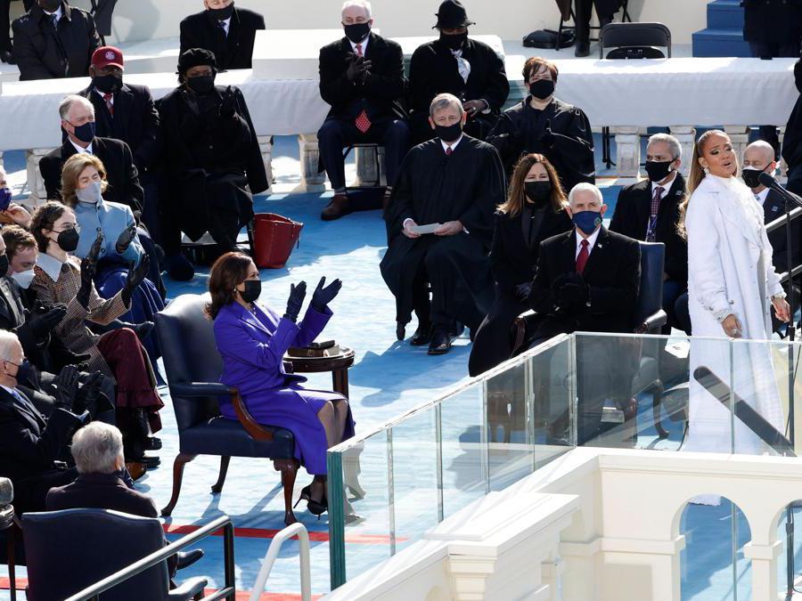 Jennifer Lopez: Total look Chanel (Reuters/Brendan McDermid)