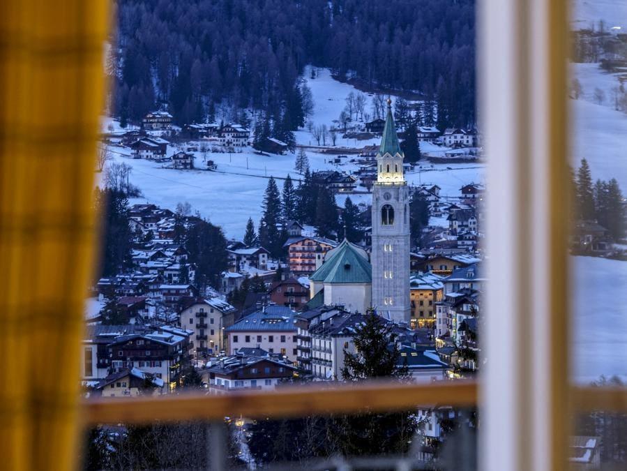 Vista di Cortina d'Ampezzo da una suite del Cristallo