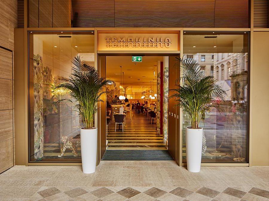 Accanto allo store il ristorante nippo-brasiliano Temakinho