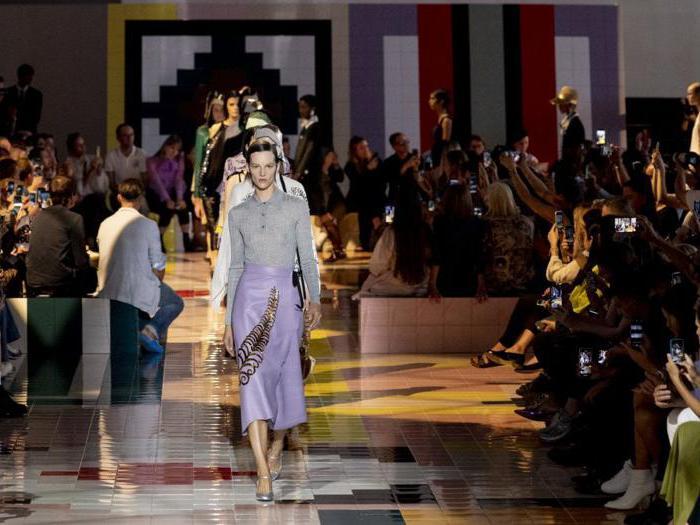 Semplice ed essenziale, lo stile Prada è una conversazione creativa in itinere
