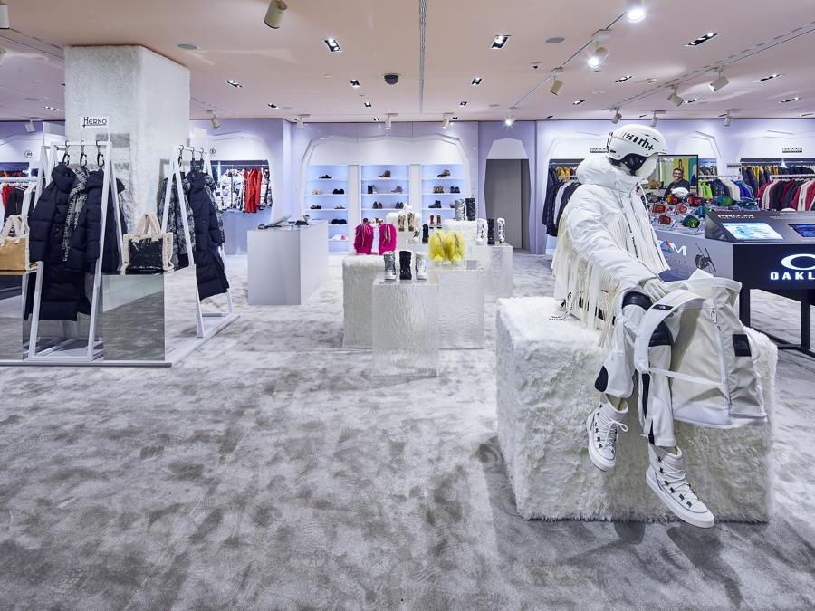 """Rinascente Duomo a Milano ospita il Winter Fashionland, area pop up con una selezione """"invernale"""" di marchi di abbigliamento sportivo e casualwear (fino al 30 dicembre)"""