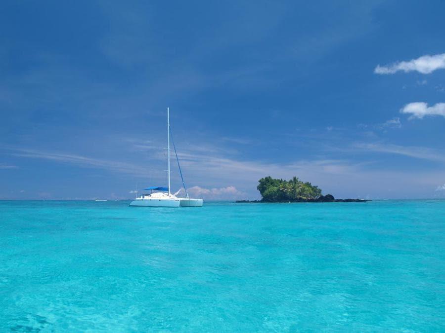 Vacala Bay Resort- Fiji. Il catamarano a disposizione degli ospiti