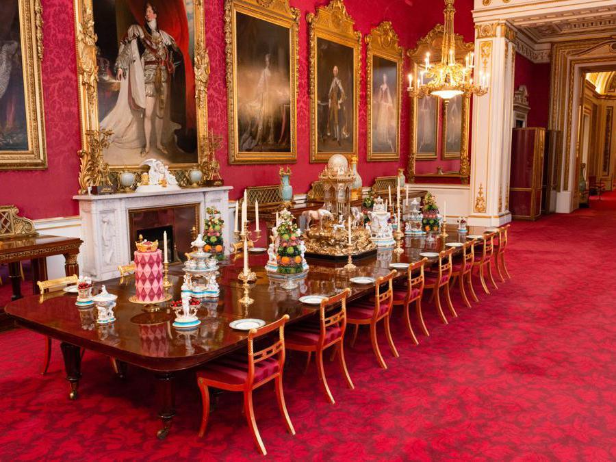 La Sala dei banchetti di Stato allestita per la mostra (credit Royal Collection Trust - Her Majesty Queen Elizabeth II 2019)