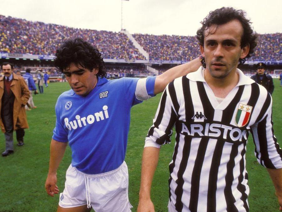 foto IPP/Jean Michel Bancet / Icon Sport . Napoli 29-03-1987 campionato calcio serie a 1986-1987 napoli-juventus,  nella foto Diego armando Maradona e Michel Platin