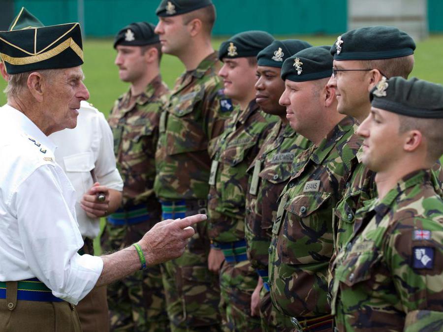 Il  principe Filippo, Duca di Edimburgo visita le truppe britanniche a Paderborn, Germania, 29 luglio 2011 (Ansa/Fristo Gentsch)