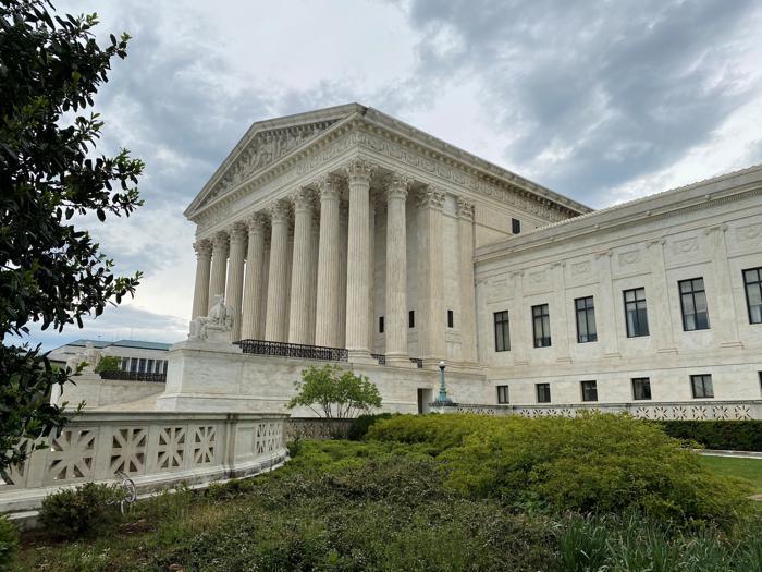Amy Barrett, giovane e conservatrice: la scelta di Trump per la Corte suprema