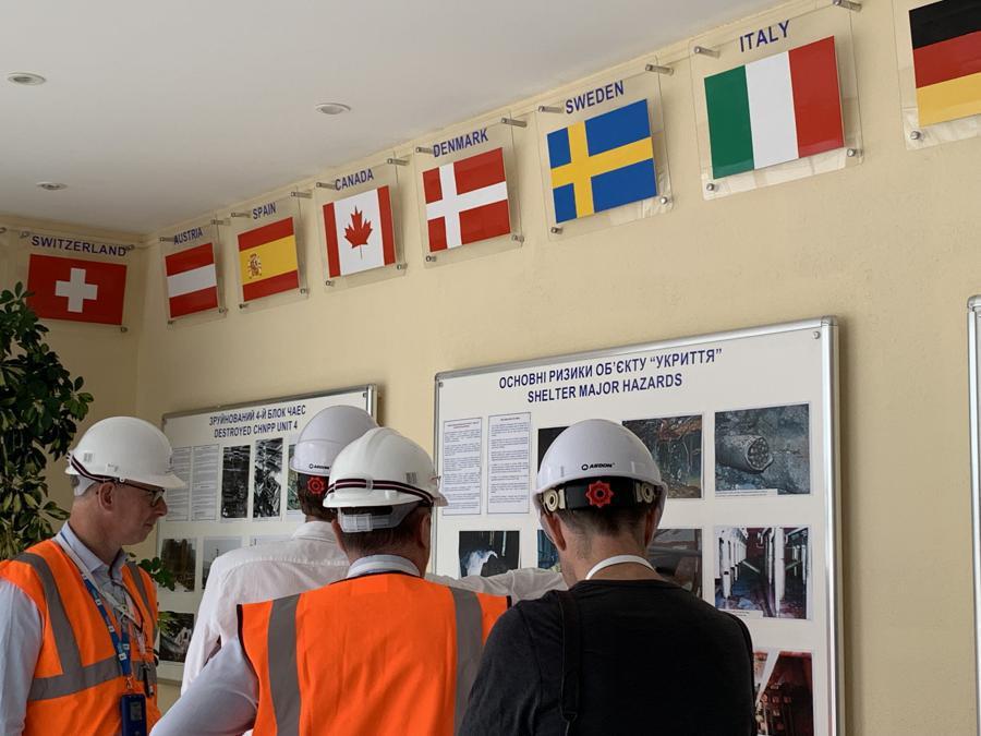Alla costruzione dell'arco, gestita dalla Bers, hanno contribuito 45 Paesi