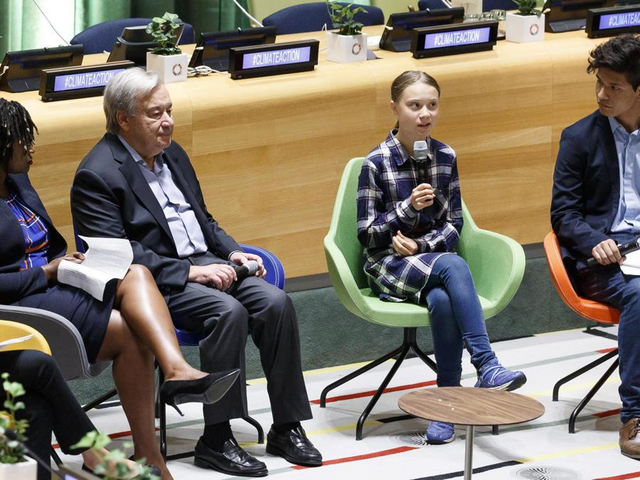 New York City.  Youth Climate Summit. Greta Thunberg tra António Guterres e Bruno Rodriguez (Epa)