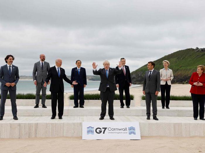 Dalle foto sulla spiaggia alla cena con la Regina: i leader mondiali al G7 in Cornovaglia