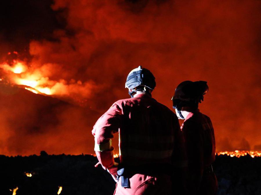 (Photo by Luismi Ortiz / Spanish Military Emergency unit (UME) / AFP)