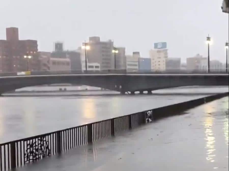 Tokyo, il fiume Sumida è esondato a causa del tifone Hagibis (D Tokunaga via REUTERS)