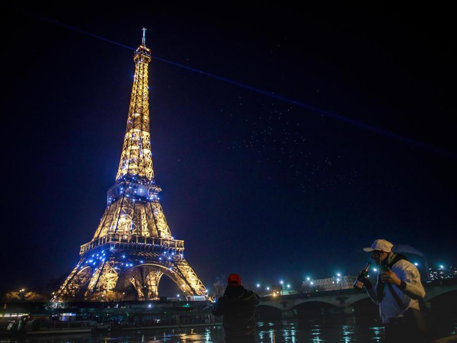 Parigi.  (Epa/Christophe Petit Tesson)