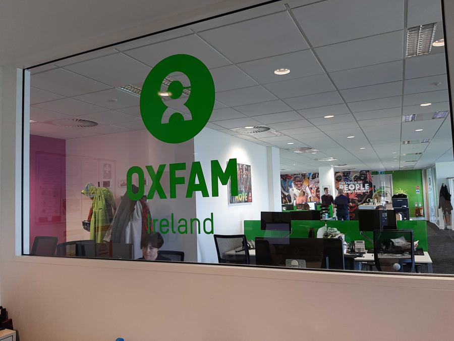 Gli uffici di Oxfam Ireland. Oxfam è un'organizzazione non governativa che combatte le diseguaglianze e la fame nel mondo, molto attenta alle questioni fiscali