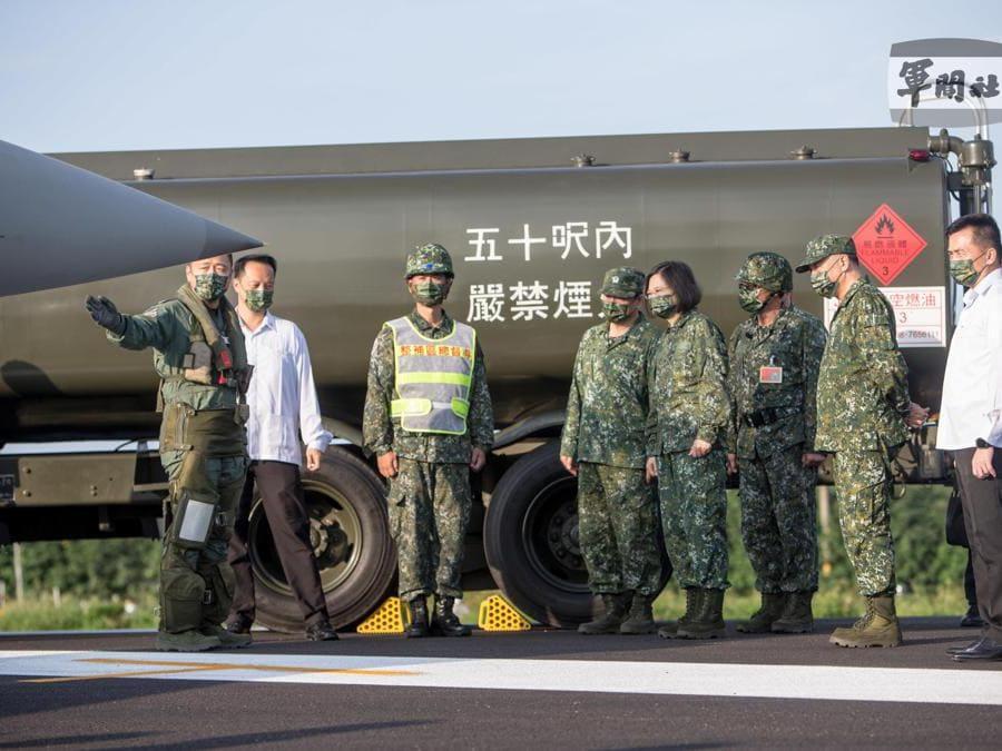Il president Tsai Ing-wen (EPA/TAIWAN MILITARY NEWS AGENCY)