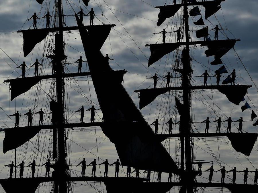 "La nave colombiana ""Gloria"" (Epa / Filip Singer)"