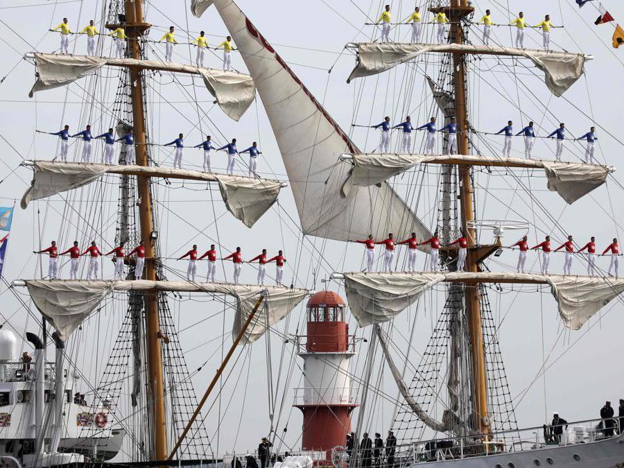 "La nave colombiana ""Gloria""(Photo by Bernd WUESTNECK / dpa / AFP)"