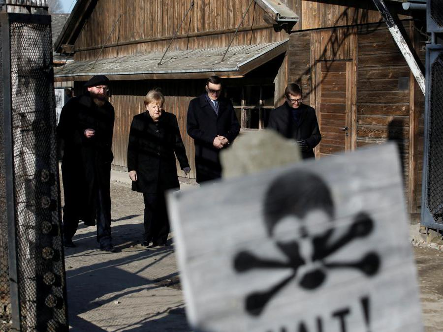 Auschwitz-Birkenau, Oswiecim, Polonia. Angela Merkel,  Mateusz Morawiecki e Piotr Cywinski(Reuters)